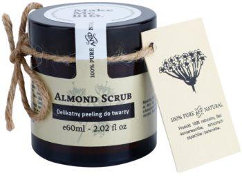 Make Me BIO Cleansing scrub delicato alla mandorla per pelli secche e sensibili