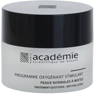 Academie Normal to Combination Skin Fuktgivande och återställande ansiktskräm