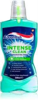 Aquafresh Intense Clean Invigorating Fresh ústna voda pre dlhotrvajúci svieži dych