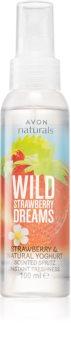Avon Naturals Wild Strawberry Dreams tělový sprej s vůní jahod