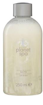 Avon Planet Spa Provence Lavender nawilżająca kąpiel mleczna z lawendy i jaśminu