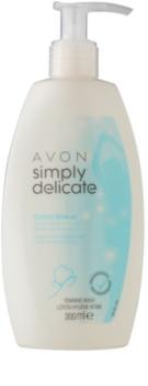 Avon Simply Delicate gel de ducha para la higiene íntima