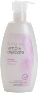 Avon Simply Delicate umirujući kremasti gel bez mirisa za intimnu higijenu