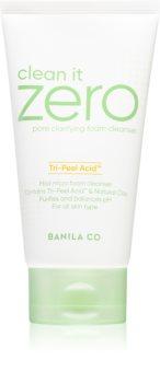 Banila Co. clean it zero pore clarifying spuma demachianta cu o textura cremoasa hidrateaza pielea si inchide porii