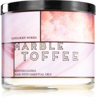 Bath & Body Works MarbleToffee vonná sviečka