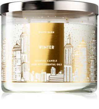 Bath & Body Works Winter scented candle IV.