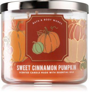 Bath & Body Works Sweet Cinnamon Pumpkin vonná svíčka I.