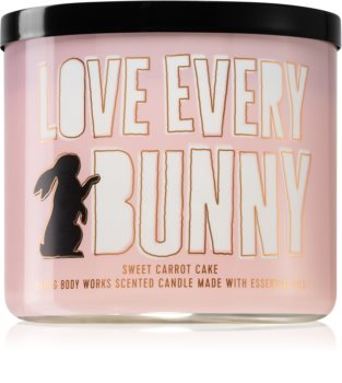 Bath & Body Works Sweet Carrot Cake scented candle