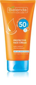 Bielenda Sun Care crème protectrice pour peaux sèches et sensibles SPF 50