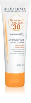 Bioderma Photoderm AKN Mat schützendes, mattes Fluid für das Gesicht SPF 30