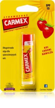 Carmex Strawberry vlažilni balzam za ustnice v paličici SPF 15