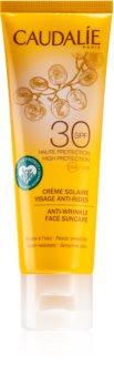 Caudalie Suncare napozó arckrém ránctalanító hatással SPF 30