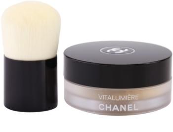 Chanel Vitalumière pó solto com pincel