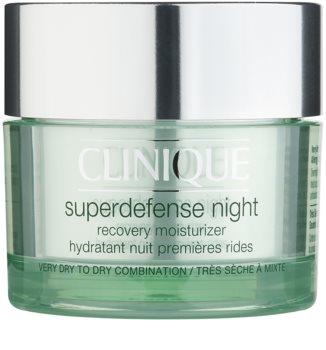 Clinique Superdefense Feuchtigkeitsspendende Nachtcreme gegen die ersten Anzeichen von Hautalterung