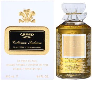 Cauta? i caseta de parfum feminin