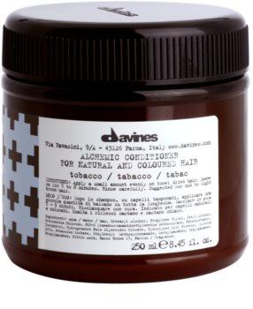 Davines Alchemic Tobacco balsam hidratant pentru a evidentia culoarea parului