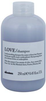 Davines Love Olive champô alisante para cabelos crespos e inflexíveis