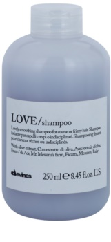 Davines Love Olive Mjukgörande schampo För ostyrigt och krulligt hår