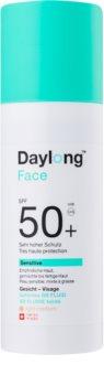 Daylong Sensitive тониращ слънцезащитен флуид SPF 50+