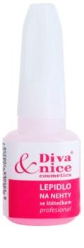Diva & Nice Cosmetics Accessories лепило за нокти с четка