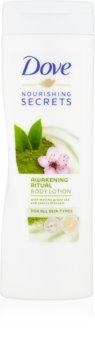 Dove Nourishing Secrets Awakening Ritual loção corporal suave
