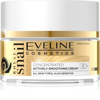 Eveline Cosmetics Royal Snail cremă de zi și de noapte, cu efect de netezire 30+