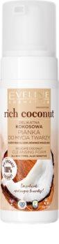 Eveline Cosmetics Rich Coconut jemná čisticí pěna s probiotiky