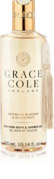 Grace Cole Nectarine Blossom & Grapefruit upokojujúci kúpeľový a sprchový gél