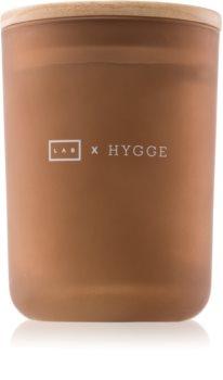 LAB Hygge Pleasure vonná sviečka (Warm Fig)