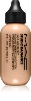 MAC Cosmetics  Studio Radiance Face and Body Radiant Sheer Foundation Könnyű alapozó az arcra és a testre