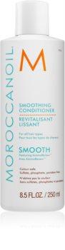 Moroccanoil Smooth obnovující kondicionér pro uhlazení a výživu suchých a nepoddajných vlasů