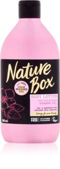 Nature Box Almond lait corporel hydratant pour peaux sensibles