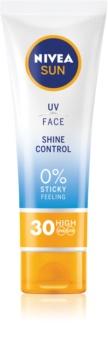 Nivea Sun crema bronceadora matificante para rostro  SPF 30