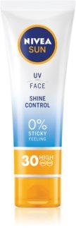 Nivea Sun Protetor solar com efeito mate para o rosto. SPF 30