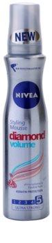 Nivea Diamond Volume αφρώδες σκληρυντικό μους για όγκο και λάμψη