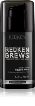 Redken Brews pasta modellante per un fissaggio naturale