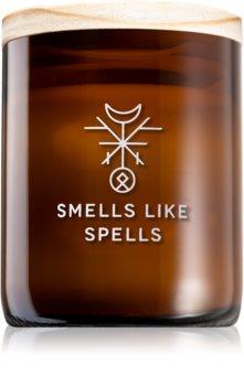 Smells Like Spells Norse Magic Freya geurkaars met een houten lont (love/relationship)