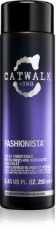 TIGI Catwalk Fashionista après-shampoing violet pour cheveux blonds et méchés