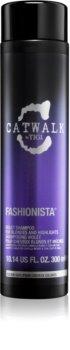 TIGI Catwalk Fashionista vijoličen šampon za blond lase in lase s prameni