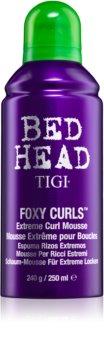 TIGI Bed Head Foxy Curls spumă fixatoare pentru onduleuri extreme