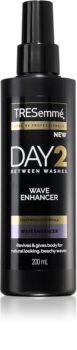 TRESemmé Day 2 Wave Enhancer spray de coafat pentru definirea onduleurilor