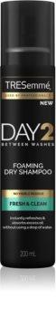 TRESemmé Day 2 Fresh & Clean șampon uscat cremos