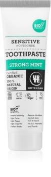 Urtekram Strong Mint bleichende Zahnpasta für empfindliche Zähne