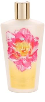 Victoria's Secret Secret Escape Sheer Freesia & Guava Flowers молочко для тела для женщин