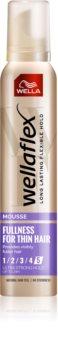 Wella Wellaflex Fullness For Thin Hair Styling Mousse Med ekstra stærk fiksering
