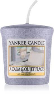 Yankee Candle A Calm & Quiet Place mala mirisna svijeća bez staklene posude