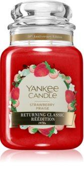 Yankee Candle Strawberry Fraise lumânare parfumată  Clasic mare