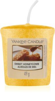 Yankee Candle Sweet Honeycomb mala mirisna svijeća bez staklene posude