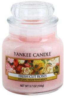 Yankee Candle Fresh Cut Roses aроматична свічка Classic  маленька