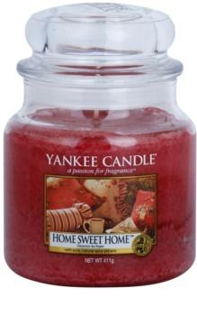 Yankee Candle Home Sweet Home vonná sviečka Classic stredná